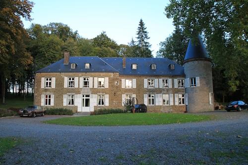 . Château d' Aviette