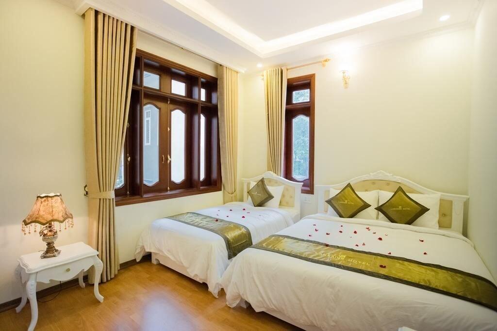Lakeside Hotel, Hạ Long