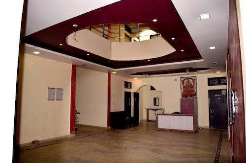 Hotel Shakshi, Azamgarh