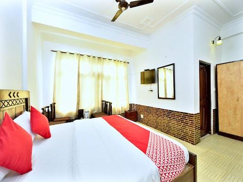 OYO 12443 Hotel Snowretreat, Kangra