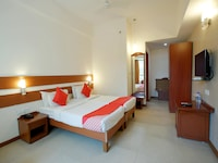 Deluxe Double or Twin Room, 1 King Bed