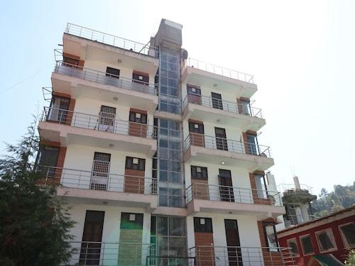 . OYO 13271 Home Cozy 2BHK Shyamkhet Bhowali