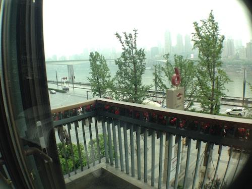 Air Hotel, Chongqing