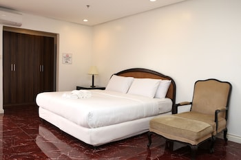 CENTTRO RESIDENCES Room