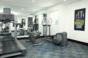 CENTTRO RESIDENCES Gym