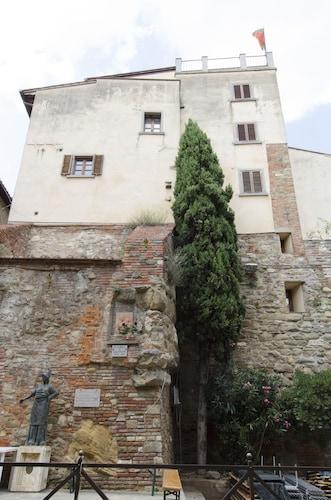 . Casa Torre
