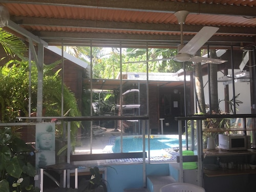 Studio in Ravine des Cabris, With Pool Access, Furnished Terrace and W, Saint-Pierre