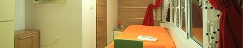 Yeni Tuana Otel, Merkez