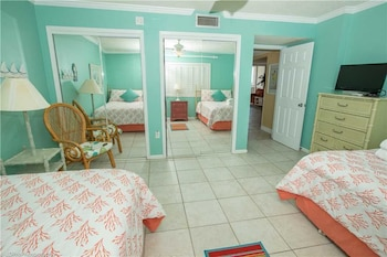Shoreline Towers 2074 2 Bedrooms 2 Bathrooms Condo