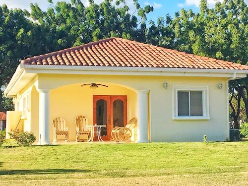 Casa Marinera, Villa Carlos Fonseca