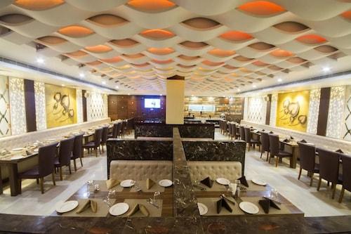 Hotel Taj Heritage by Alsafar India, Agra