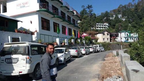 . Hotel Sumit Kausani
