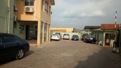 Dikord Hotel and Events Centre, Abeokuta South
