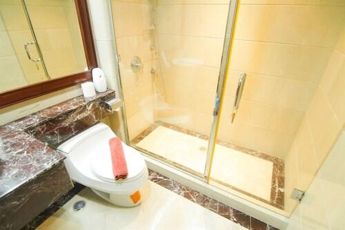 Luxurious 2 Bedroom SCBD Suites Apartment By Travelio, Jakarta Selatan