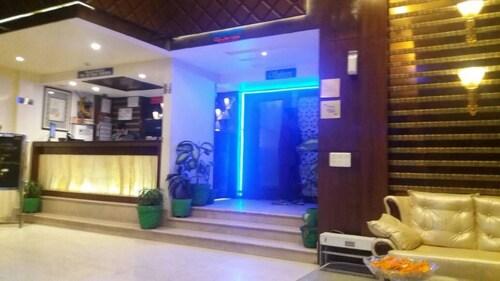 Hotel Opulence, Pathankot