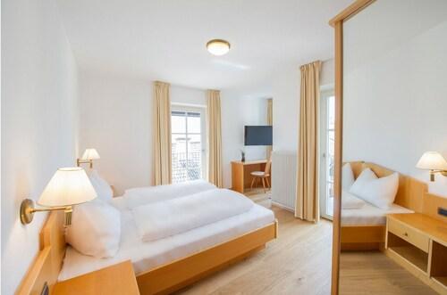 HOTEL GOLDENE TRAUBE, Bolzano