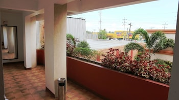 HOTEL CASA ILUSTRE Hallway