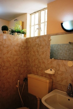 HOTEL CASA ILUSTRE Bathroom