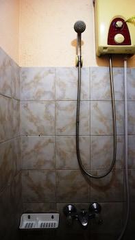 HOTEL CASA ILUSTRE Bathroom Shower