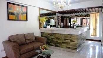 HOTEL CASA ILUSTRE Reception
