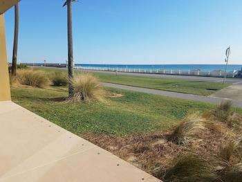 Beach Retreat Condos by Crystal Waters