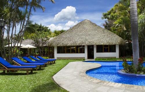 . Hotel Dos Mundos