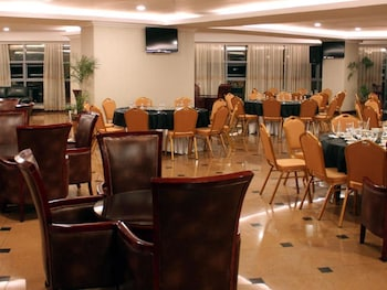 CROWN LEGACY HOTEL Breakfast Area