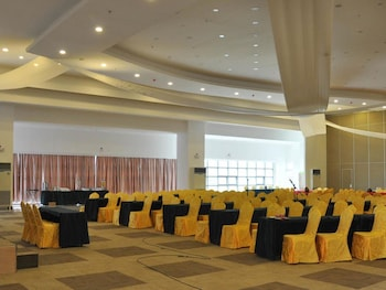 CROWN LEGACY HOTEL Meeting Facility