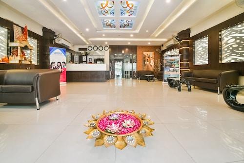. Hotel Flowers Inn