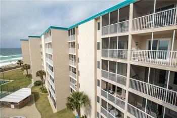 Holiday Surf & Racquet 614 2 Bedrooms 2 Bathrooms Condo