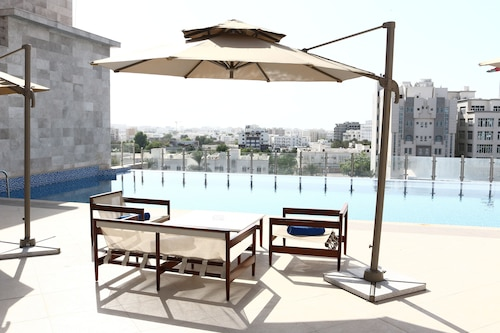 Levatio Hotel Muscat, Bausher