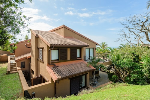San Lameer Villa Rentals Three Bedroom Luxury 13908 , Ugu