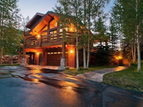 Abode at Gamble Oak in Solamere, Summit