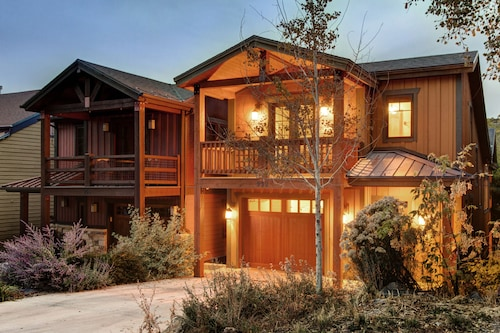 Abode at Quit 'N Time, Summit