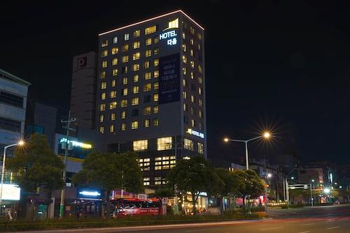 . Hotel Daoom