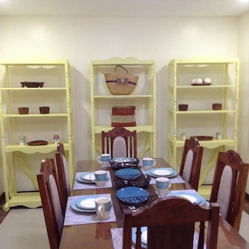 CASA BUENO BAGUIO TRANSIENT HOME In-Room Dining