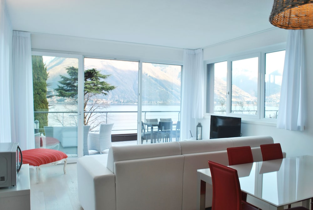Baia Blu Luxury Apartments with Pool