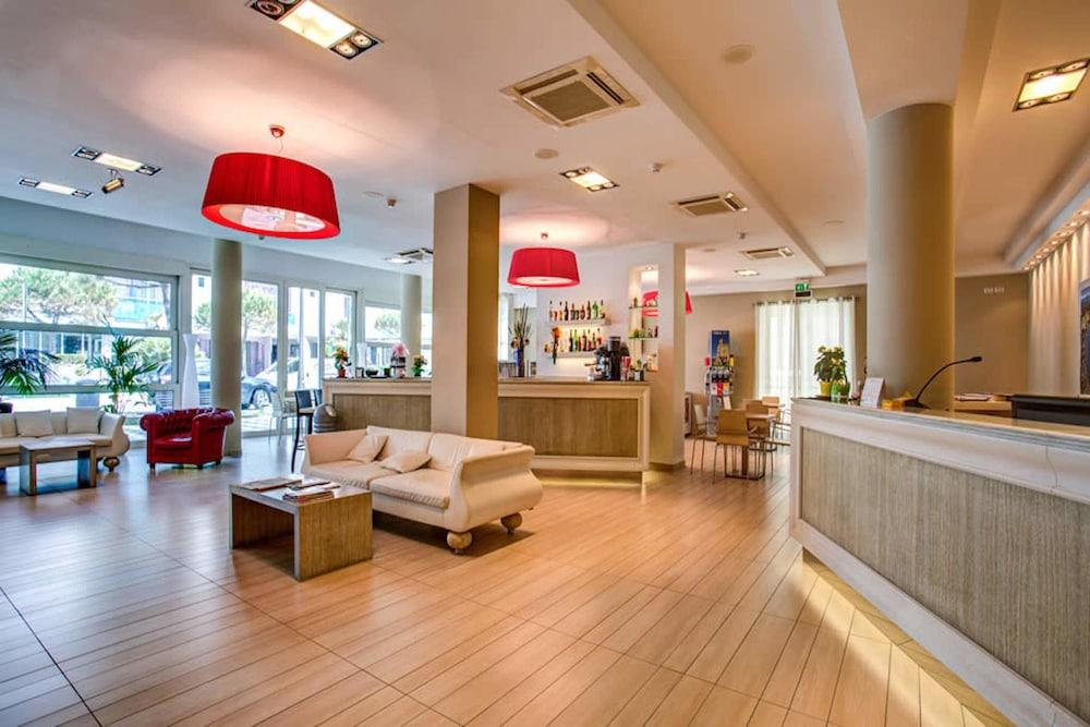 Hotel Fiamma, Featured Image