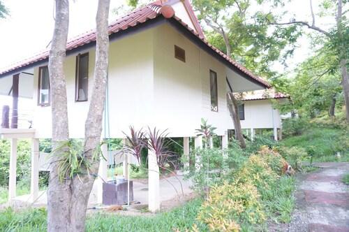 . Lamai Resort Koh Phayam