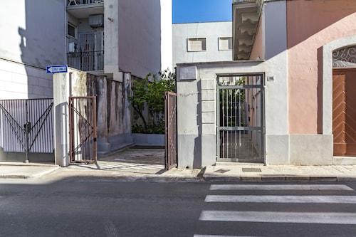 Casa Mediterranea, Bari