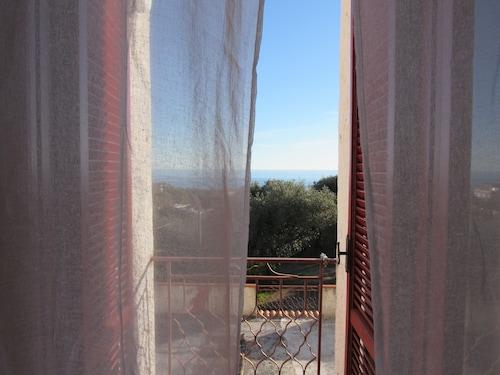 . Hotel Santa Rosalia