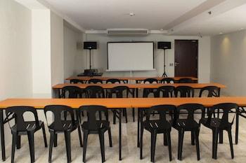 RAMADA ENCORE MAKATI Meeting Facility