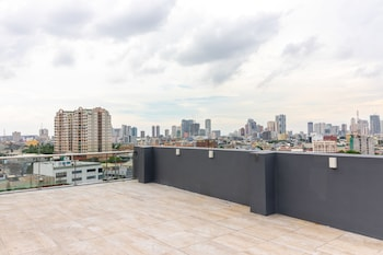 RAMADA ENCORE MAKATI View from Property