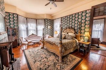 Hotel - Grand Gables Inn Bed & Breakfast