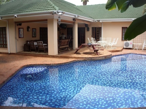 12 Fleetwood Lodge, Harare