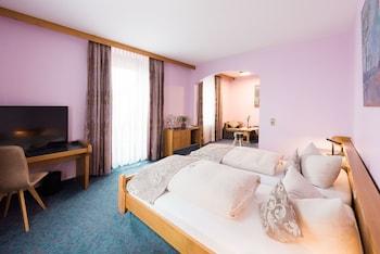 hotel br utigams weinstuben ihringen qantas hotels australia. Black Bedroom Furniture Sets. Home Design Ideas