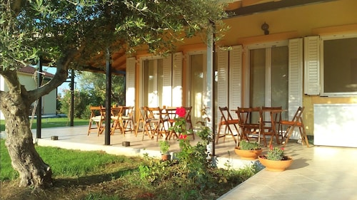 AnthosGuestHouses, West Greece
