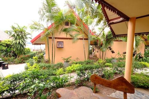 Rotchana's Retreat On Mekong, That Phanom