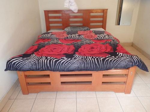 Erishina Guest House, Narok North