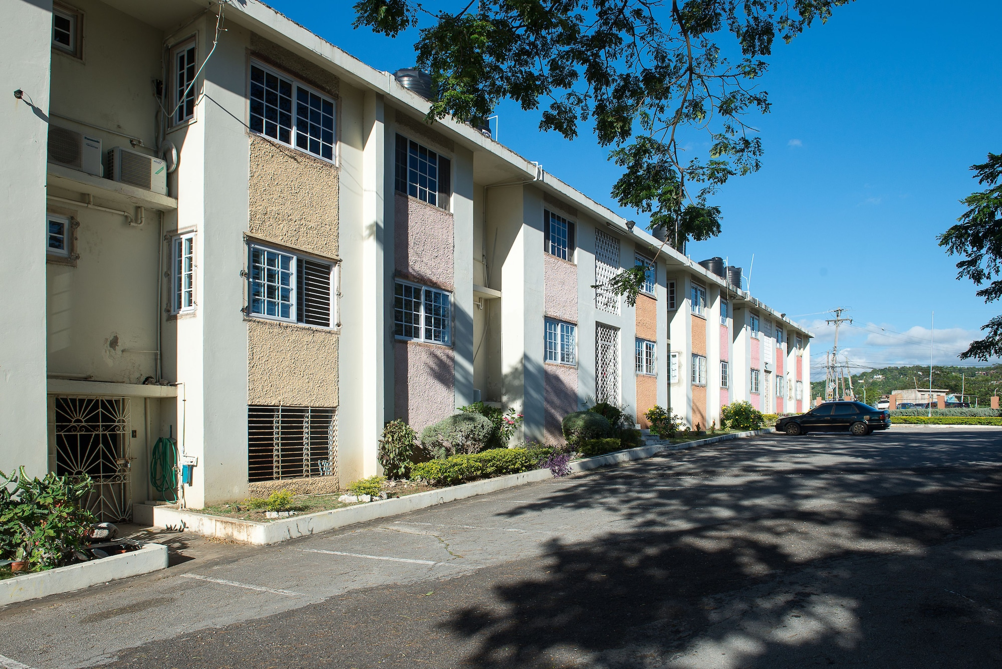 Modern Bilton Apartment,